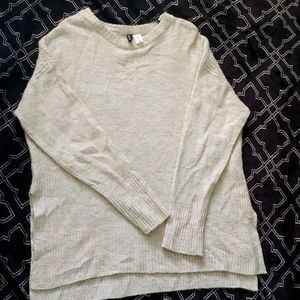 Soft H&M sweater with side slits